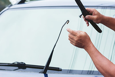 Replacing wiper blades